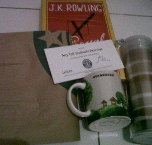 Hadiah Merchandise & Voucher Starbucks dari FemaleRadio