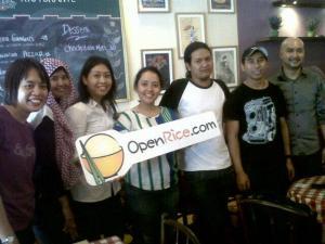senyum sumringah para Openricer di Resto Delicato (foto sumber: twitter openrice)