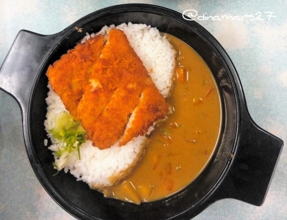 Menu Japanese Curry Fish Premium Mixbowl™ yang saya pesan. (foto: dok.pri)
